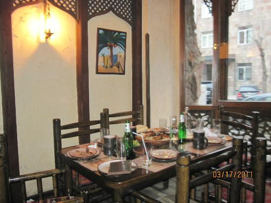 Caucasus Tavern: good atmosphere