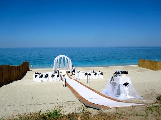 Boutique Hotel Kentrikon: Wedding area at Papa Nero Beach