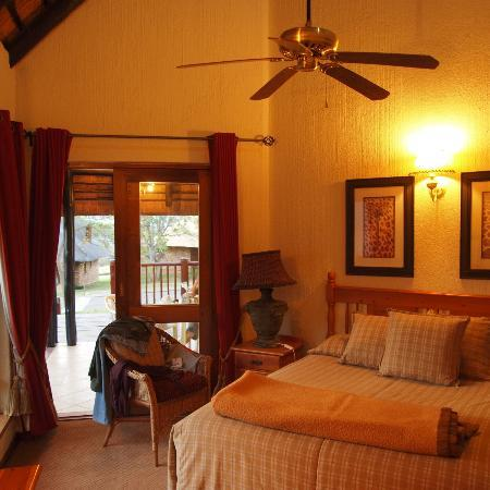 Kruger Park Lodge: main bedroom