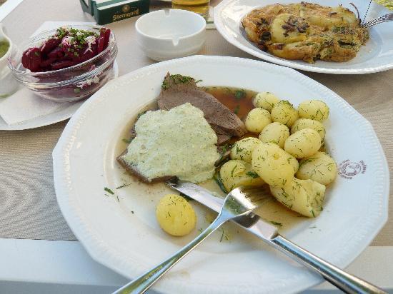 Gasthaus Zum weißen Schwan: Rindfleisch mit Frankfurter Grüner Sauce