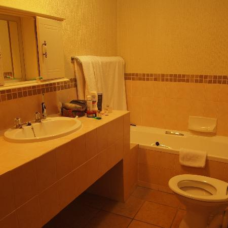 Kruger Park Lodge: bathroom