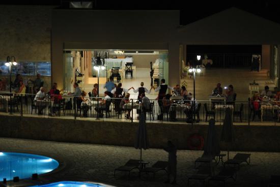 The Magnolia Resort : The Rosebud Bistro during Greek Night