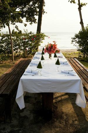 Baan Aarya : Dinner in the gardens by the sea
