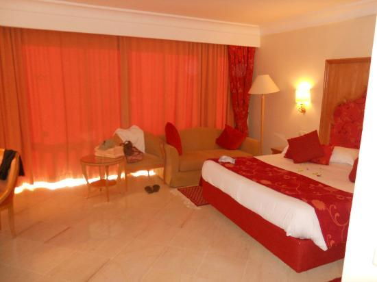 Hotel Palace Hammamet Marhaba : chambre hyper spacieuse