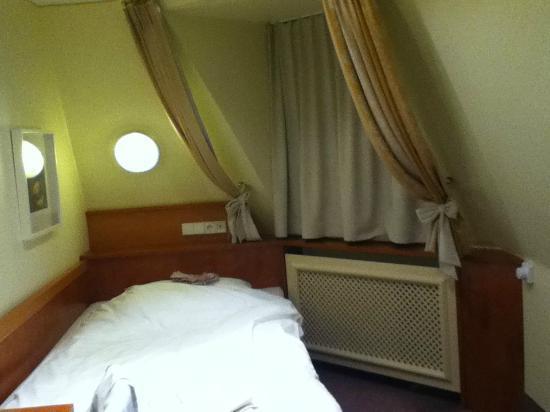 Tulip Inn Concorde Munich: stanza singola
