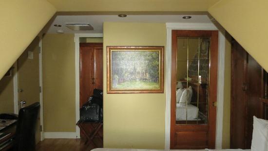 Hotel Acadia: Room 501