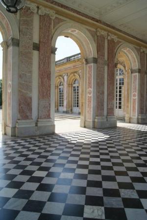 Aeon Tours : Grand Trianon explored during your Versailles Tour