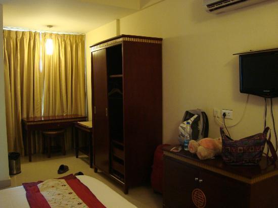 The Ashapurna Hotel: spacious