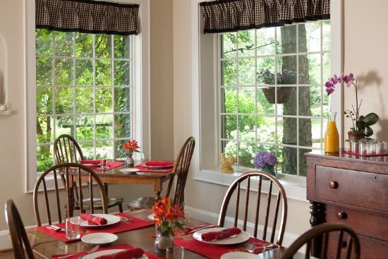 Chanticleer Inn Bed and Breakfast: Enjoy breakfast each morning on our Patio or Sunroom.