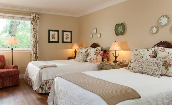 Chanticleer Inn Bed and Breakfast: Guest Room 2
