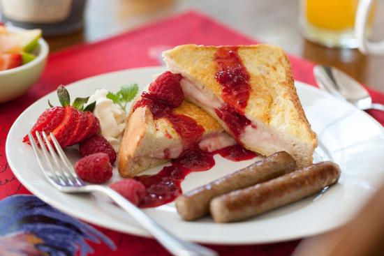 Chanticleer Inn Bed and Breakfast: Stuffed Raspberry French Toast