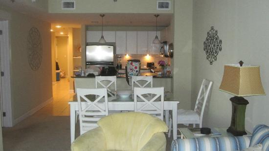 Grand Panama Beach Resort: kitchen dining area