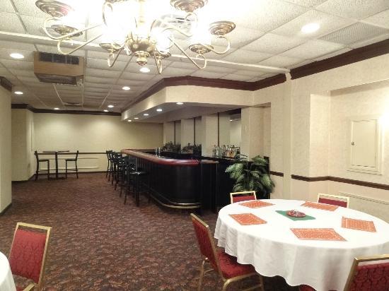 Motel 6 Pittsburgh : Banquet Bar