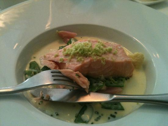 F12: Poached salmon - cooked to perfection