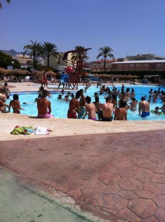 Aquamijas: dancing in the pool