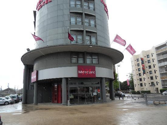 Mercure Tours Centre Gare: Hotel front
