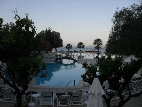 Labranda TMT Bodrum Resort : Vue de la piscine
