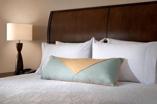 Hilton Garden Inn Tifton: All rooms feature Garden Sleep System Beds