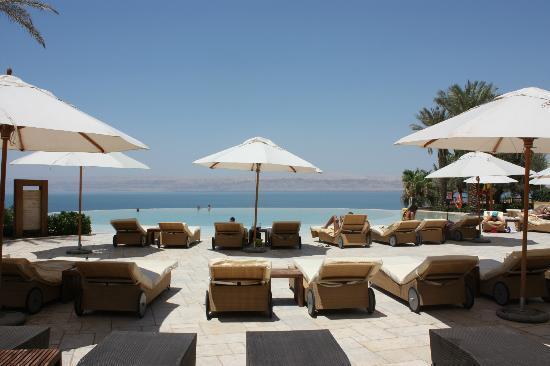 Huge Bathroom Picture Of Kempinski Hotel Ishtar Dead Sea