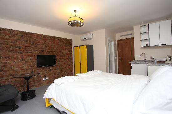 Dolmus Hotel : room