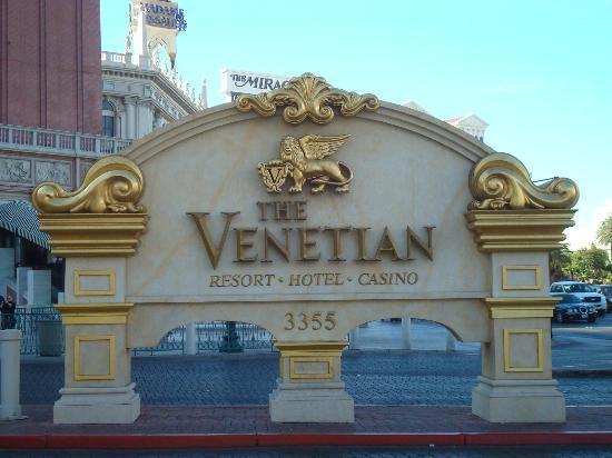 โรงแรมเวเนเชียน รีสอร์ท คาสิโน: Venetian sign