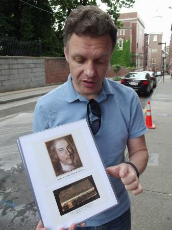 Walking Boston - Tours : Ben Edwards ends his tour with a story about his ancestor.
