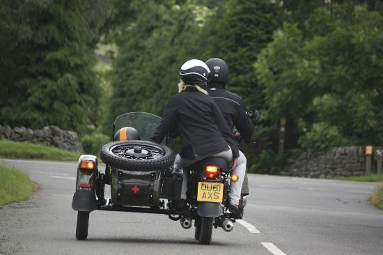 Sidecar Safari Peak District- Day Tours: Relaxation