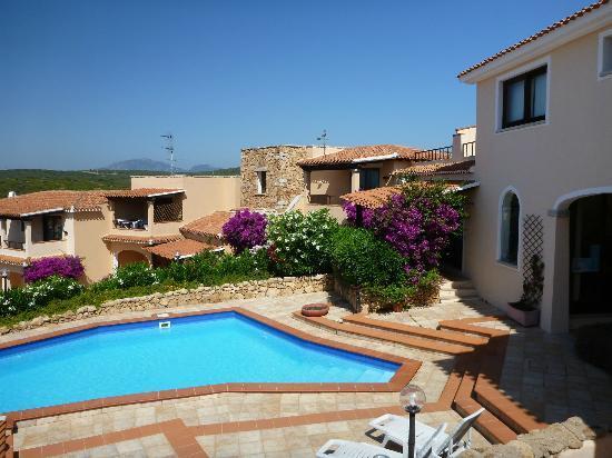 Sardinia Blu Residence: view from courtyard