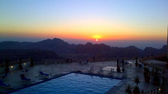 Grand View Resort Petra: Sunset from Room View