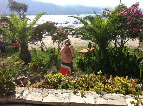 Elpida Hotel: BeacH