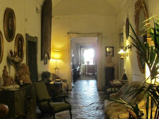 Masseria Astapiana Villa Giusso: Hallway in the main house
