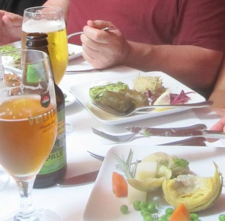Pasha : Fabulous appetizers and tasty beer!