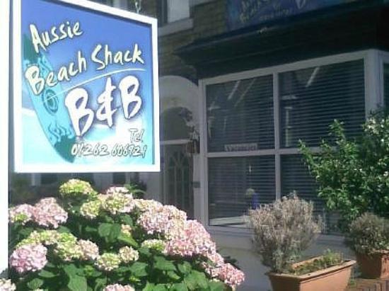 Aussie Beach Shack: Exterior