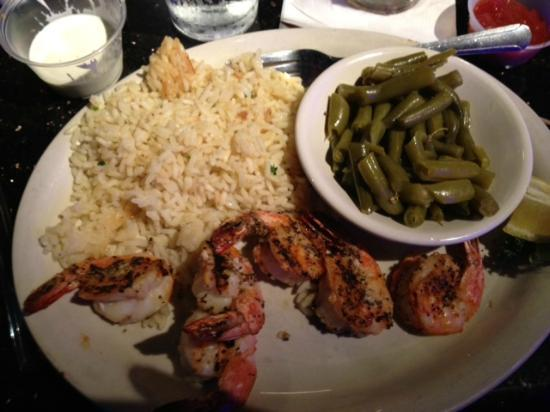 TWO FROGS GRILL: charbroiled shrimp with rice and green beans.  YUMMY!
