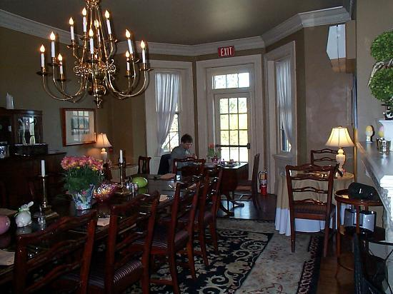 The Sayre Mansion Inn: Hubby in the brkfst room