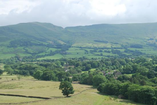 Edale, UK: Looking at the site from Ringing Roger