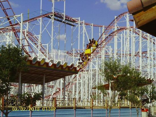 Western Playland Amusement Park : El Bandito, a Zyklon style coaster