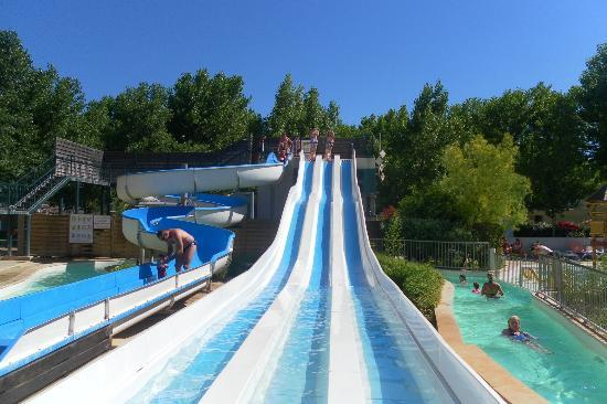 Camping Domaine de la Yole : The Waterslides