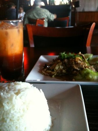 Krung Siam Thai: Lunch special of beef with pepper & garlic, plus Thai tea. About $8