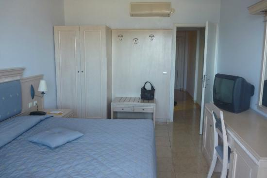 Dimitra Beach Hotel: Our room