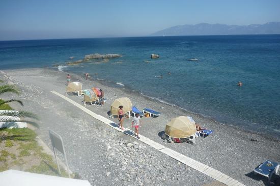 Dimitra Beach Resort Hotel: Hotel beach