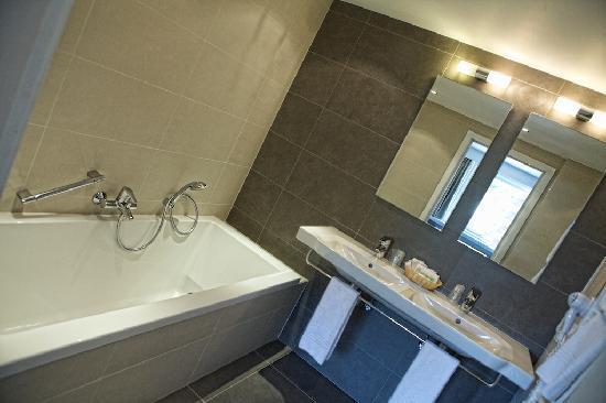 Hotel St. Pol.: badkamer deluxe