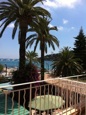 Hotel Reine d'Azur : dal terrazzo