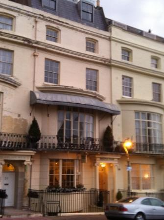 Brighton House: front of hotel