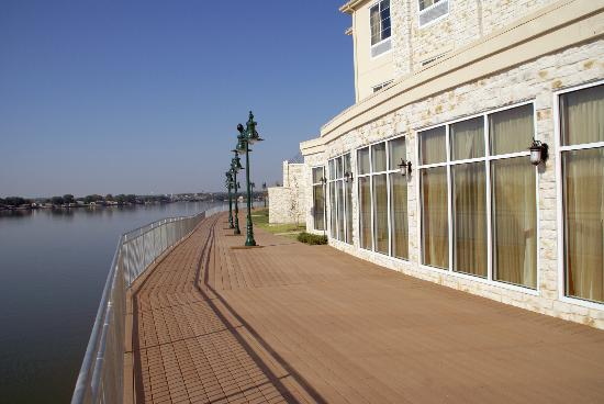 Hilton Garden Inn Granbury : Boardwalk