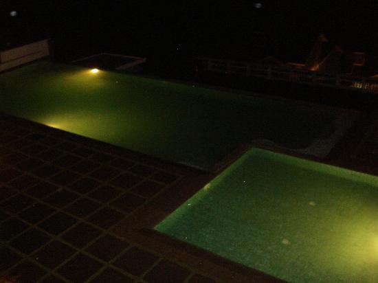 Mountain Club Resort: Pool at Night