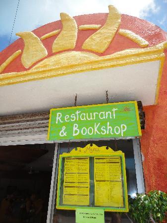 Manana Restaurante & Bookshop: Restaurant & Bookshop