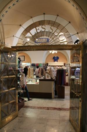 Gift shop - Picture of Library of Congress, Washington DC ...