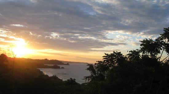 Red Frog Beach Island Resort & Spa: Sunset View