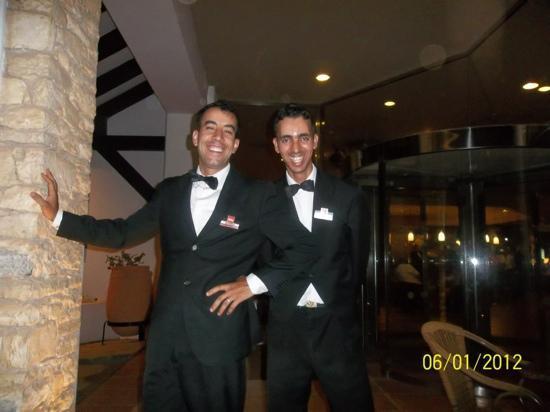 ClubHotel Riu Tikida Dunas: the very helpful waiters